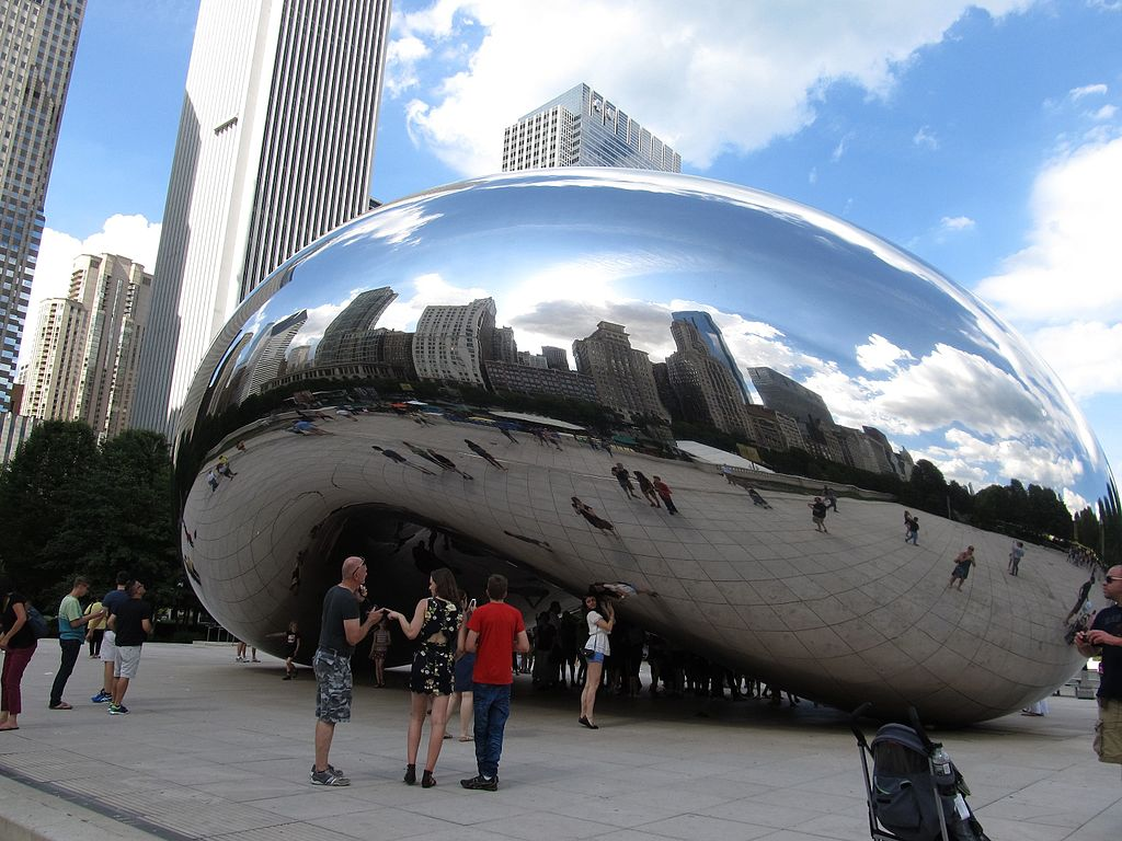 Cloud_Gate_(The_Bean),_Millennium_Park,_Chicago,_Illinois_(9179492567).jpg