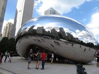 Cloud_Gate_(The_Bean),_Millennium_Park,_Chicago,_Illinois_(9179492567).jpg